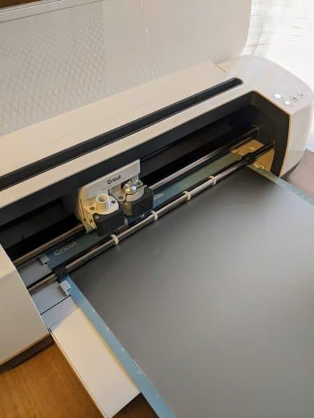 Cricut machine cutting removeable vinyl